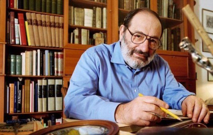 """إيطاليا تستعيد 35 ألف كتاب لأومبرتو إيكو """"الرجل المكتبة"""""""