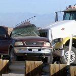 شاحنة ثقيلة تجر مقطورتين اصطدمت بسيارة دفع رباعي كبيرة