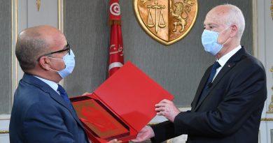 استقبل رئيس الجمهورية قيس سعيد رئيس المجلس الأعلى للقضاء يوسف بوزاخر