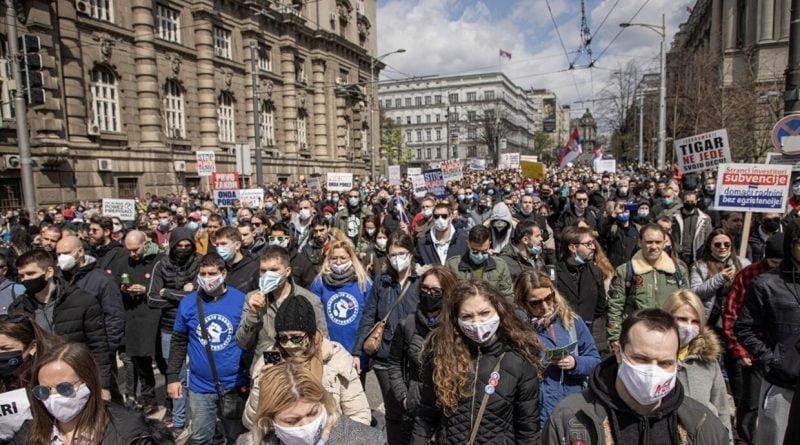صربيا.. احتجاج الآلاف في بلغراد