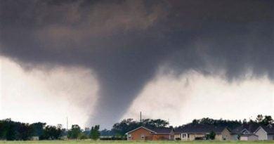 إعصار قوي في كانساس الأمريكية صورة ارشيفية