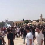 قوات الاحتلال تقتحم الأقصى وتشدد حصار حي الشيخ جراح